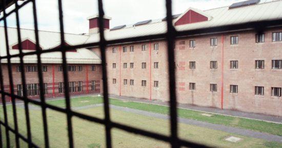 Bezdomnych zakwaterują w więzieniu